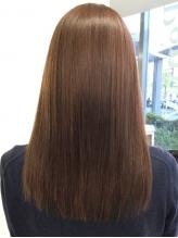 傷み髪で諦めていた方,栄養不足な髪に悩んでいる方の味方![カラー×ヘナトリートメント]で健康的な艶髪に