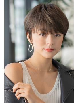 大人かわいい/小顔/ハイライト/クールショート/前髪カット