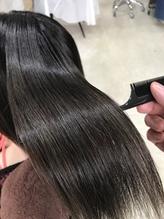 【AnFye.dueldo】ブリーチ毛に縮毛矯正でサラツヤストレートヘア.52