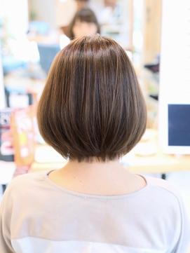 【リビーチ】縮毛矯正でつくる自然な毛先の大人ショートボブ♪