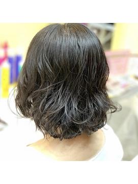 【QUALIS上板橋】20・30・40代 黒髪☆ゆるやかウェーブボブ