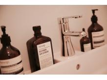 お手洗いには女性に大人気の【Aesop】を取り入れております。
