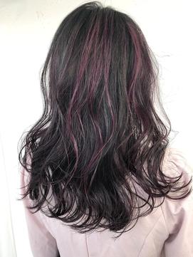 ブラックカラーにピンクハイライト☆