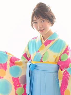 ショートヘアーの卒業式♪ポップな袴スタイル