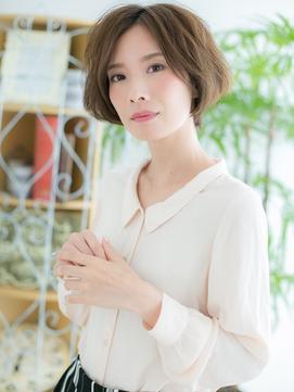 【浅草美容院HANARE】カーキベージュの小顔クールショート♪b