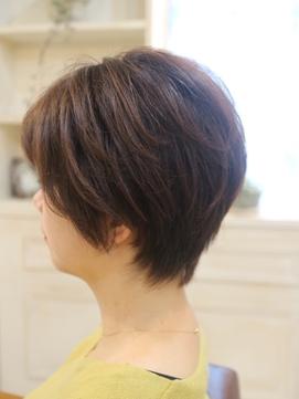 【30代・40代】スッキリ耳だしショートヘア