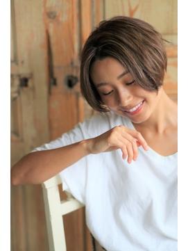 大人かわいい☆センターパート☆小顔ショート ☆