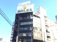 六本木交差点のビルです☆ロレックスの看板が目印です。