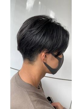 韓国マッシュ 黒髪マッシュ センターパートサイドグラデーション