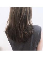 流し前髪ハイライトグレージュセミロング.3