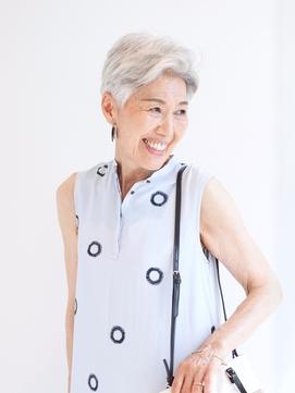 【えがお美容室】50代60代に人気◎白髪も素敵にシルバーショート
