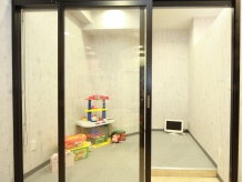 キッズスペースあり。施術中も子供の様子がわかるから安心!