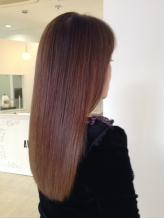 全メニューにトリートメント配合だから繰り返しても傷まない。通うほど髪が綺麗になるサロンです。