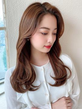 みきな長め前髪センターパート顔まわり韓国ヘアセミロング面長