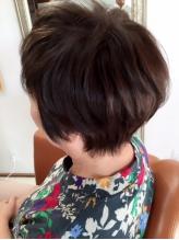「いつまでも染まりあがりの綺麗な髪でいたい…」天然由来のこだわりの薬剤で頭皮に優しく、髪を美しく。