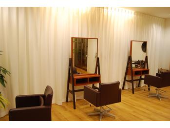 ヘアーメイクスタジオ イチヨンイチ(hair make studio 141)