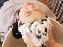 40代大人女性にぴったりな美容院の雰囲気やおすすめポイント Live in Clover beauty lab