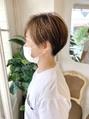刈り上げベリーショートハイライト前髪インナーカラー