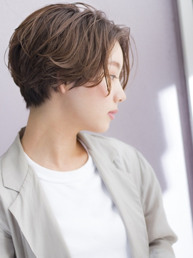 長めな前髪が大人かわいいハンサムショート6