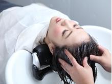 地肌と髪を健やかに、美しく…頭皮の血行を促進し、エイジングケアも叶える至福のスパを堪能してみて♪
