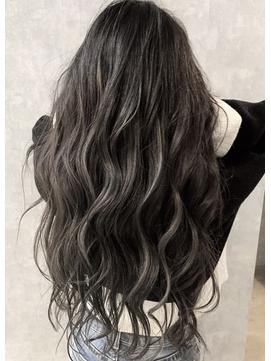【iIIL hair lounge】ウェーブ巻き シャドウルーツ 高崎