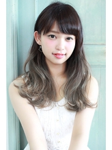 黒髪姫カットとメルトカラーのグラデーションカラーのふわミディ .15