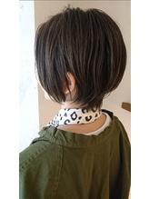 大人女性のためのショートヘア【カーキベージュ】.22