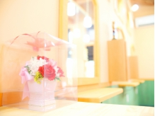 お花が似合うかわいいサロンです♪