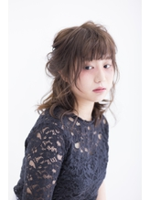【ALX富山下廼裕也】ツインテールヘアアレンジスタイル.10