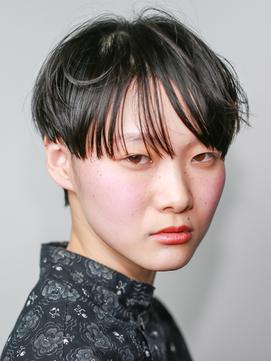 short[黒上ベリーショートマッシュ・前下がりセンターパート]