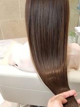 ダメージヘアと頭皮のコリ解消!『Wケアトリートメント』で頭皮を労り、傷んだ髪をリセット★艶を取り戻す!