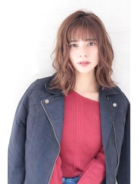 大人美髪ミディアムスタイル