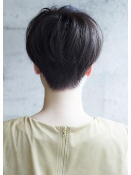 襟足スッキリベリーショートヘア / ロミー 本厚木