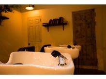 shampoo booth