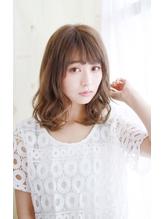 くびれスタイルのゆるミックスカール.1