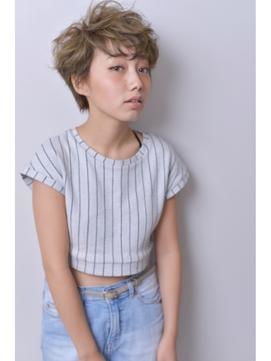 [buzz-Hair make] ショート(ハイグラデーション)