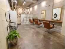 上品なイタリアの雰囲気が漂う、手作り感溢れる暖かい店内。