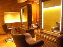 『女性Staff only』セット面4席。落ち着く上質空間で極上のひと時を。大人女性の為の秘密の隠れ家salon
