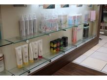 ヘアーアンドメイク ルナルナ 富士宮店(HAIR&MAKE LUNALUNA)の店内画像