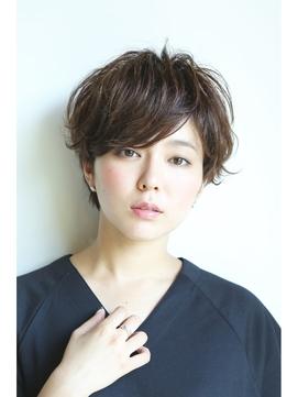 kamibito 赤羽 前髪長めショート