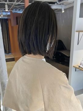 【三ツ井純】インスタ大人気☆切りっぱなし 外ハネボブ アッシュ
