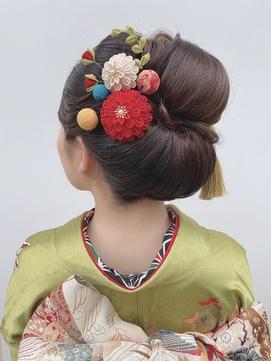 卒業式・成人式の着物ヘアに和装小物を豪華に飾って華やかさを♪