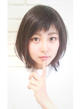 【ビサージジェニュイン】30代の短めアシメ前髪スタイル