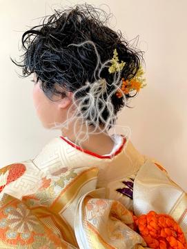 ショートアレンジ 羽と花