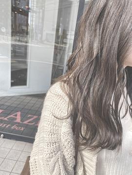 透け感◎ 濃いめアッシュグレージュ【BLAZE 大庭】