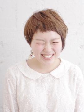 短め前髪が可愛い!大人女性のアシメショート