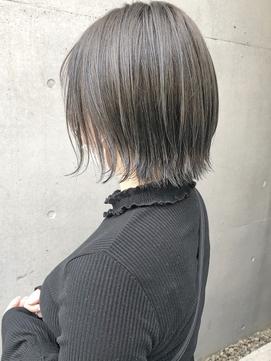 【三ツ井純】アディクシー透明感カラー グレージュ 外ハネボブ