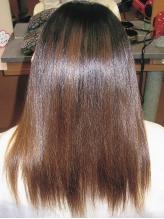 髪への負担を軽減♪ノンアルカリの【アクアストレート】で自然な仕上がり☆優しい手触りにリピート決定★