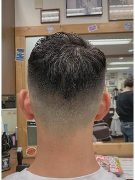 ショートフェード 【 刈り上げ 短髪 バーバー フェードカット 】