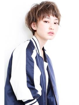 前髪ありのショートハイ透明感カラー
